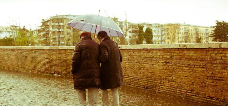 Jak zostać opiekunem osób starszych – kurs online